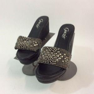 Grazie 10M Black Sandals Bead Strap Leather Upper